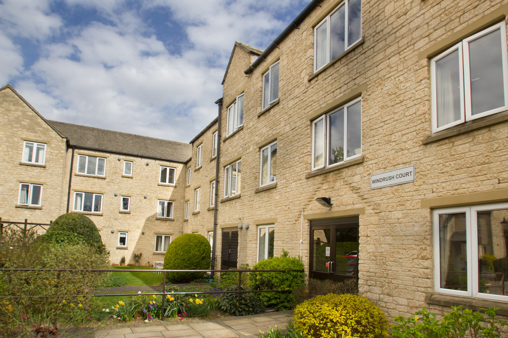1 Bedroom Apartment Flat for sale in St. Marys Mead, WITNEY OX28
