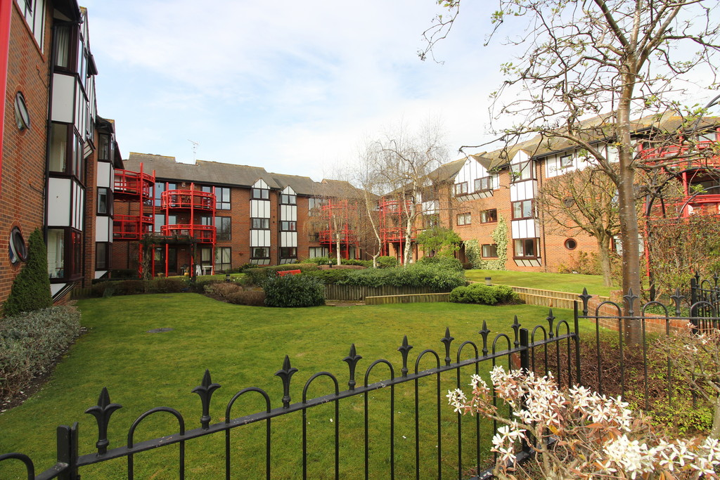 2 Bedrooms Apartment Flat for sale in Caversham Wharf, Watermans Place RG1
