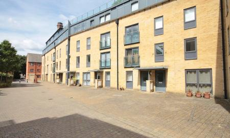 Photo of 2 bedroom Mews for sale