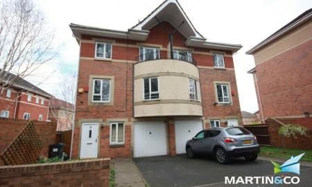 Photo of 4 bedroom Semi-Detached House to rent