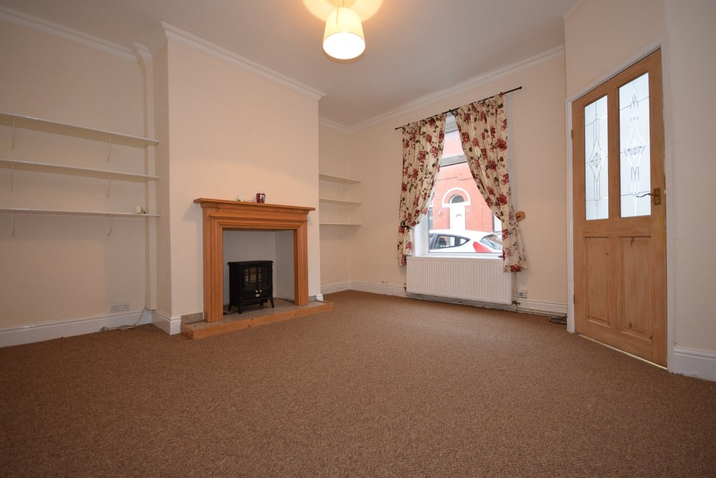 2 Bedrooms Terraced House for sale in Preston Street, Meanwood OL12