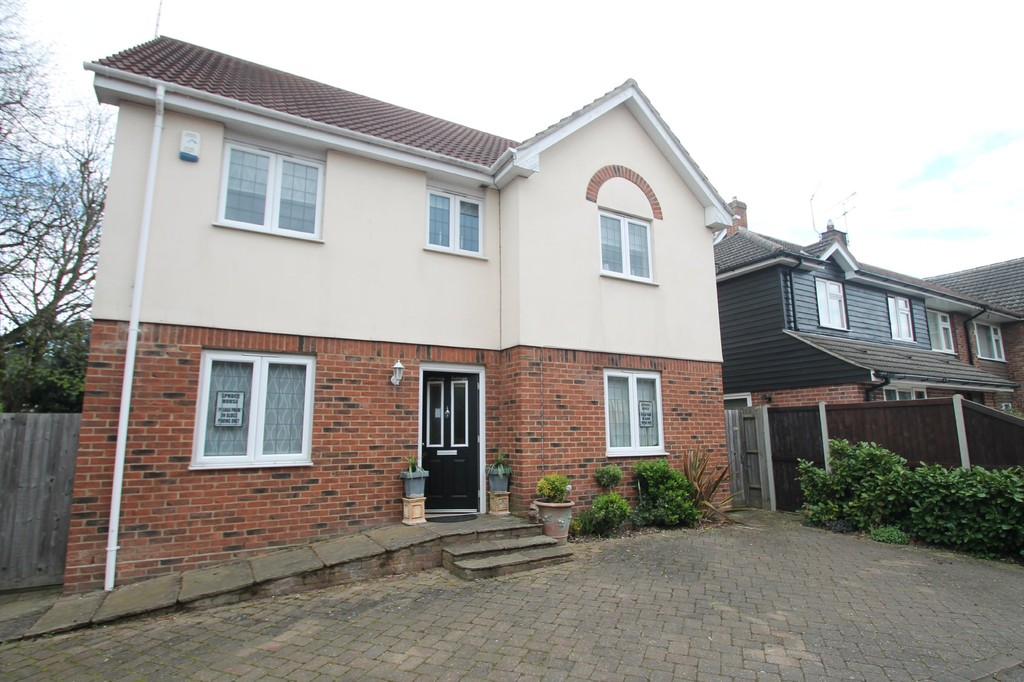 6 Bedrooms Detached House for sale in The Bringey, Great Baddow CM2