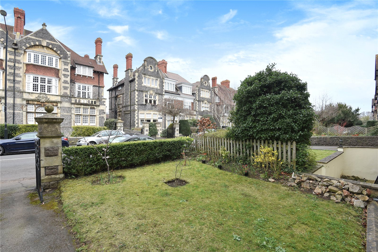 Cj Hole Clifton Old 3 Bedroom Flat For Sale In Downleaze