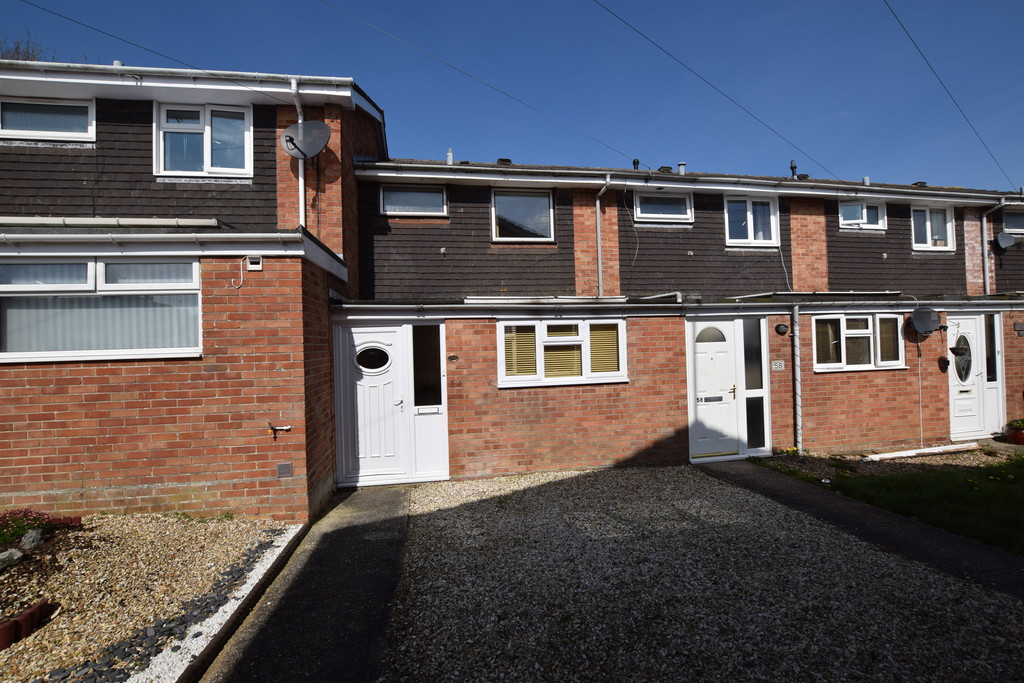 3 Bedrooms Terraced House for sale in Sandringham Road, Yeovil BA21