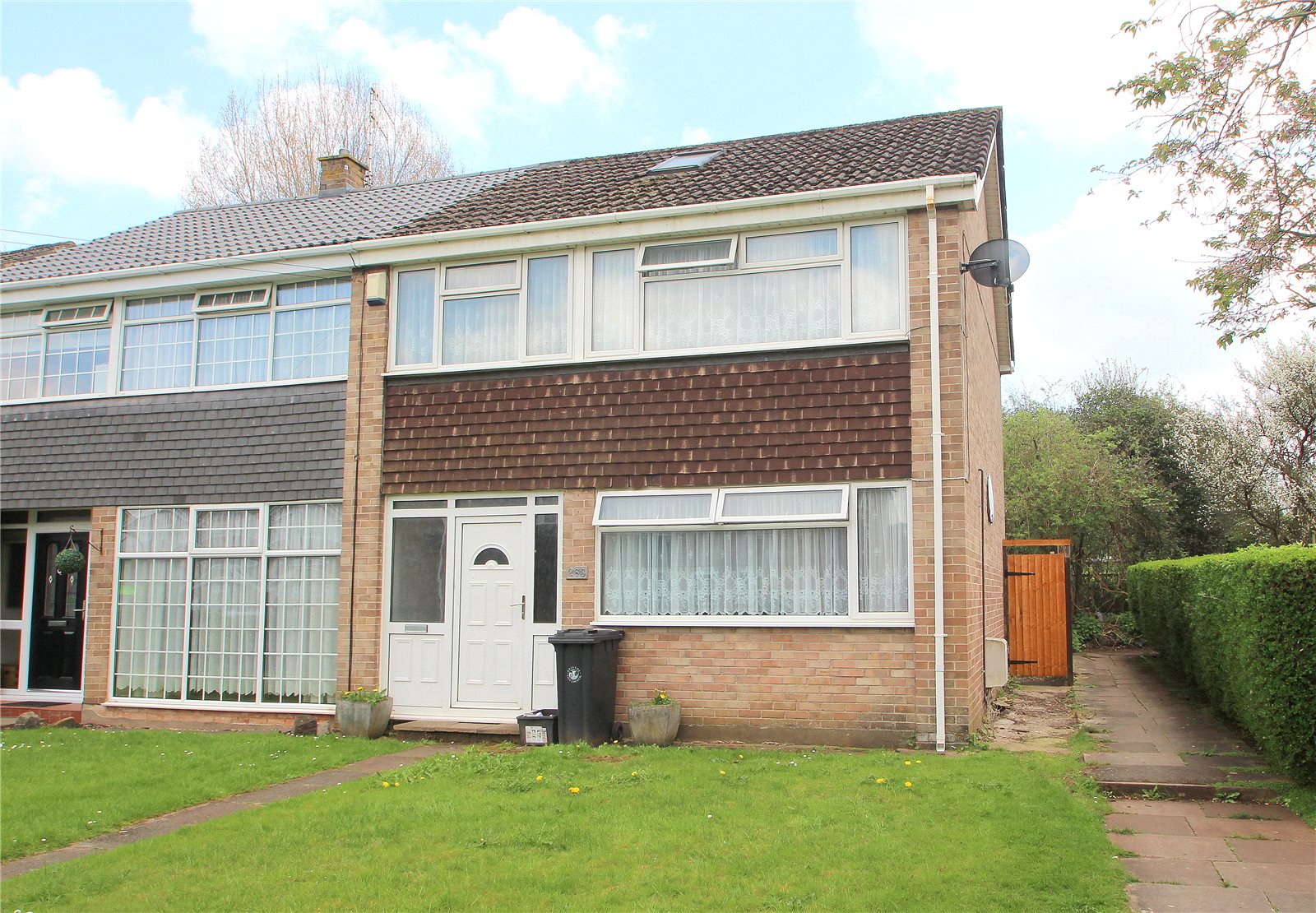 3 Bedrooms Semi Detached House for sale in Ashton Drive Ashton Vale Bristol BS3