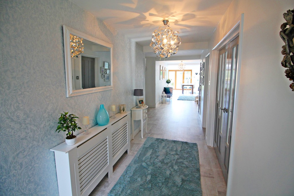 Martin Amp Co Widnes 3 Bedroom Detached House For Sale In