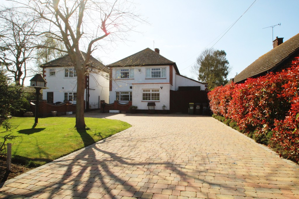 5 Bedrooms Detached House for sale in Little Wakering Road, Barling Manga SS3