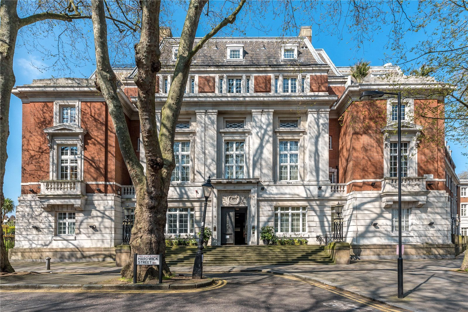 3 Bedrooms Maisonette Flat for sale in New River Head 173 Rosebery Avenue London EC1R