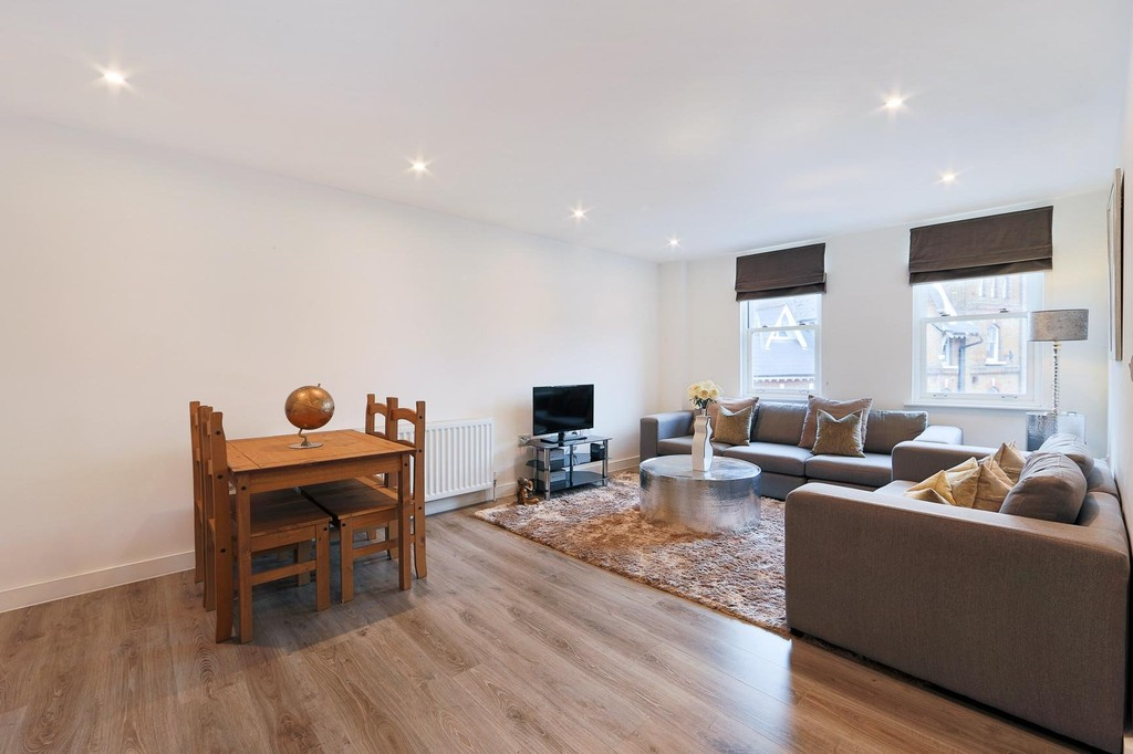 2 Bedrooms Flat for sale in 78 Westow Street, Crystal Palace SE19