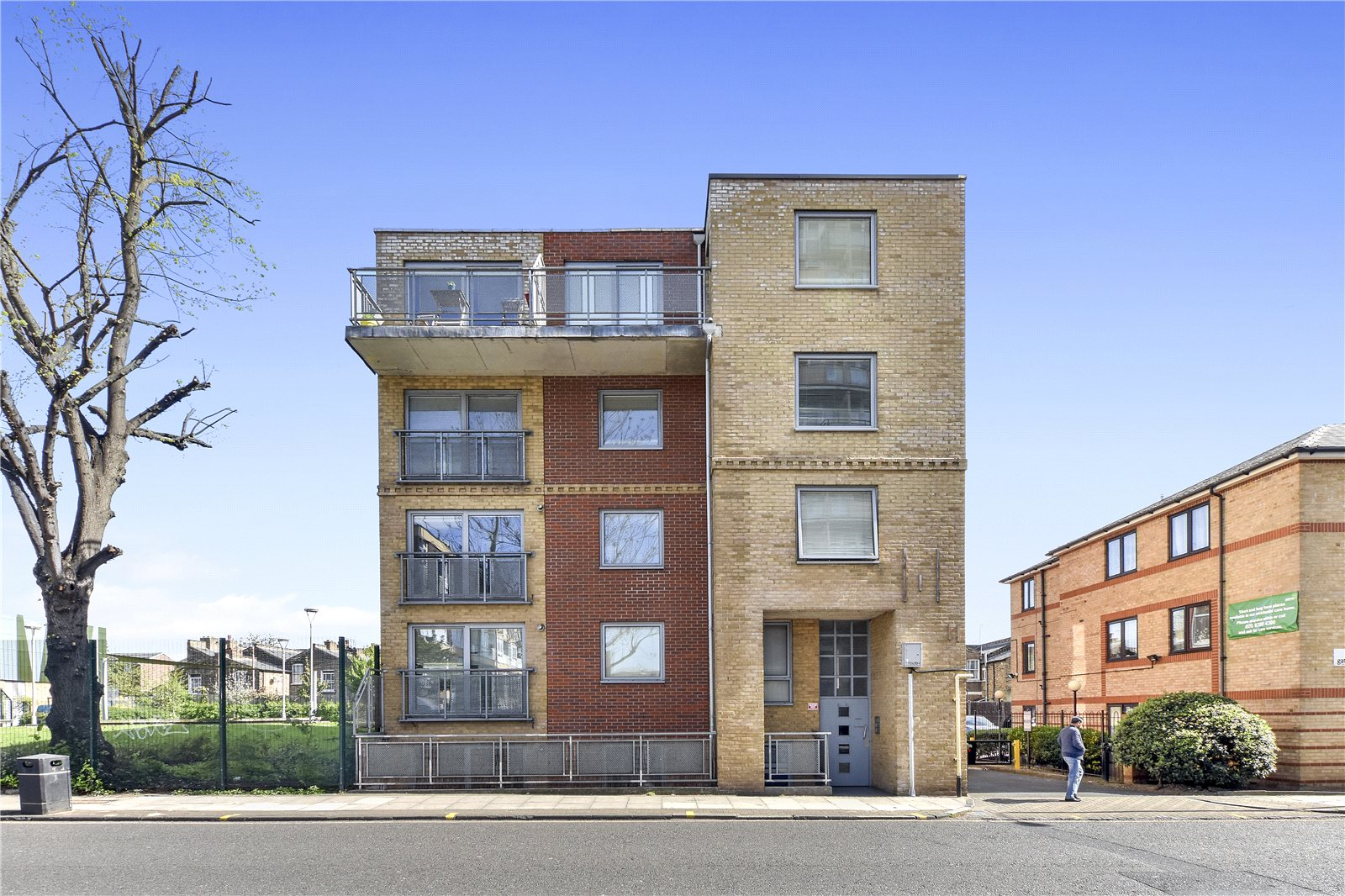 2 Bedrooms Flat for sale in 62-64 Globe Road Stepney Green London E1