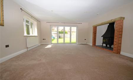 Fairway Avenue Tilehurst Reading RG30 Image 2