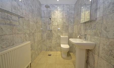 Fairway Avenue Tilehurst Reading RG30 Image 6