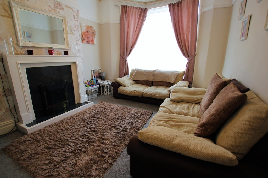 3 Bedrooms Terraced House for sale in Peter Street, Blackpool FY1