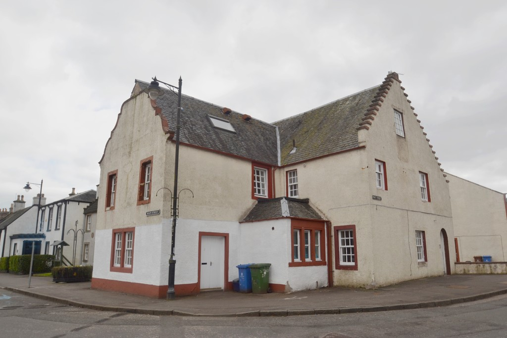 2 Bedrooms Flat for sale in Port Street, Clackmannan FK10
