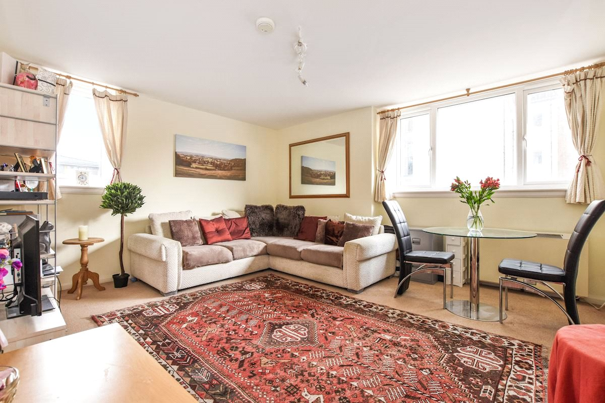 1 Bedroom Flat for sale in Roman Road Bethnal Green E2