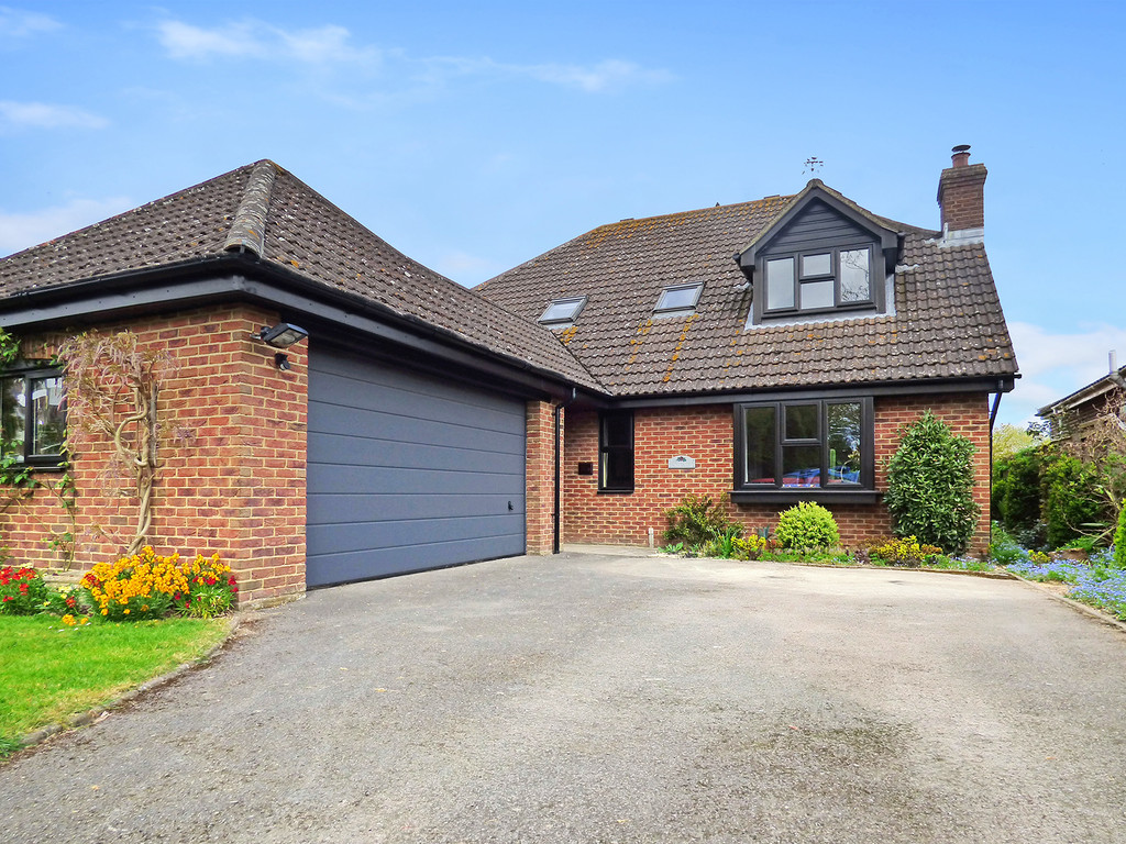 4 Bedrooms Detached House for sale in Hawkeridge, Westbury, Wiltshire BA13