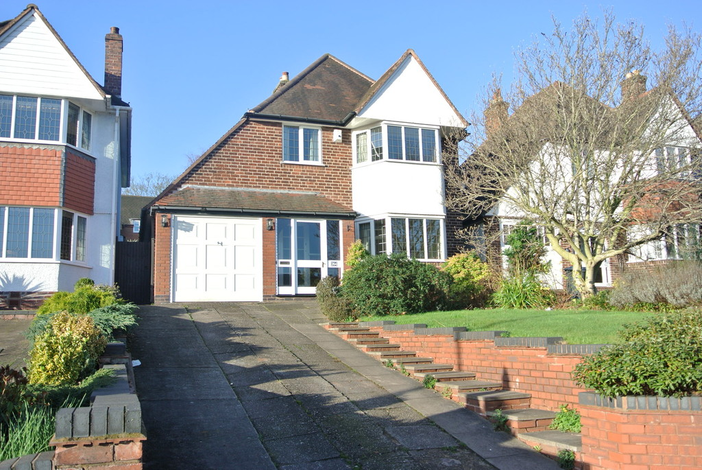 3 Bedrooms Detached House for sale in Eachelhurst Road, Walmley B76