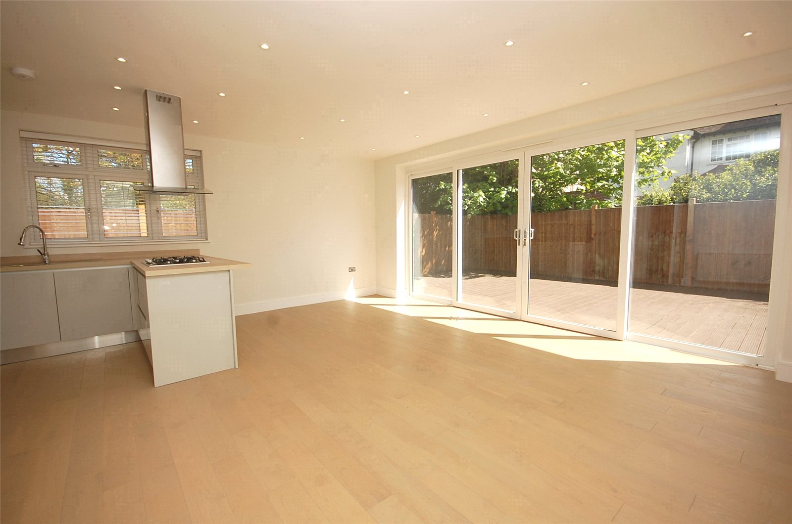 3 Bedrooms Flat for sale in The Drive Finchley London N3