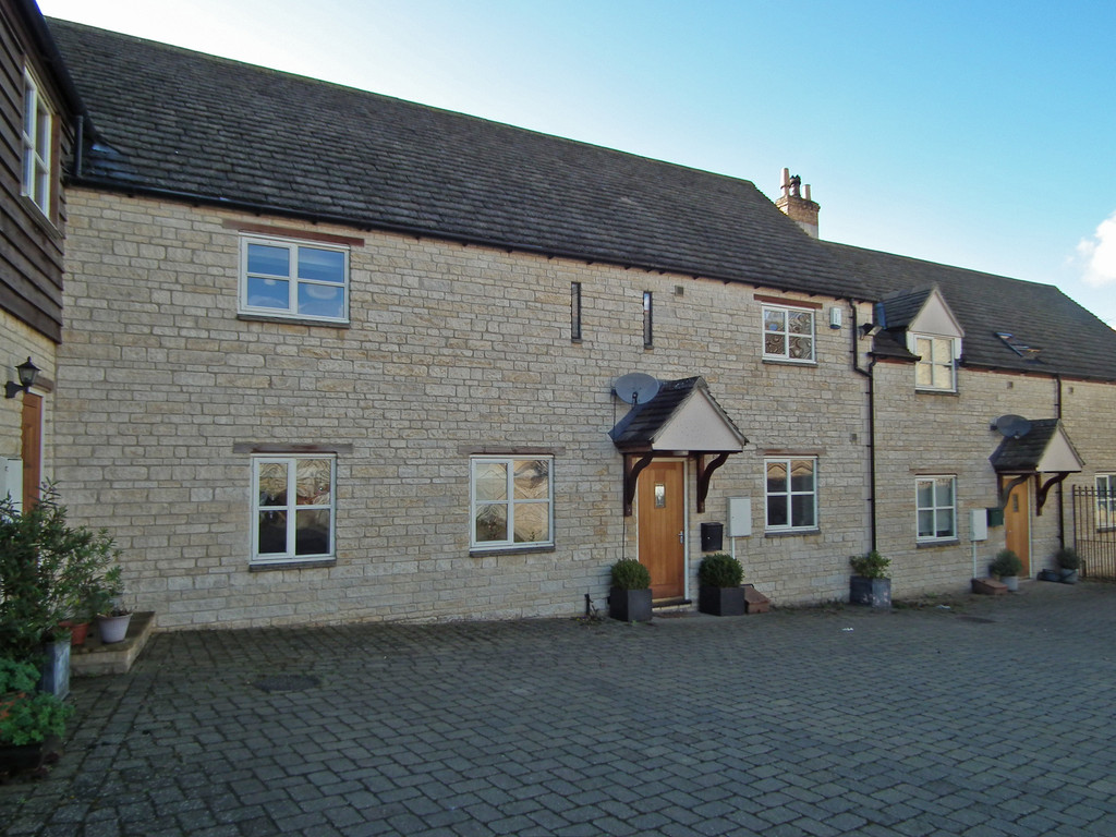 2 Bedrooms Terraced House for sale in Farriers Mews, Stamford PE9