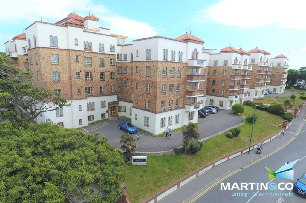 2 Bedrooms Apartment Flat for sale in Boscombe Spa BH5