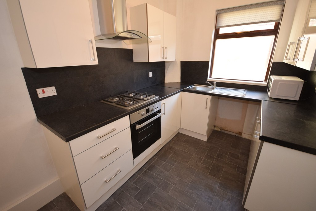 2 Bedrooms Terraced House for sale in Newchurch Street, Castleton OL11