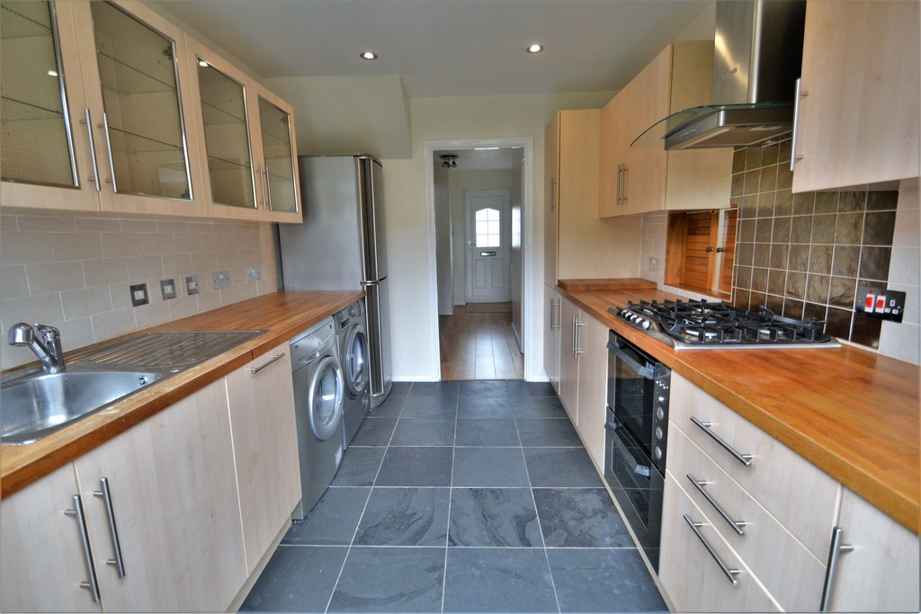 3 Bedrooms Terraced House for sale in Walton On Thames KT12