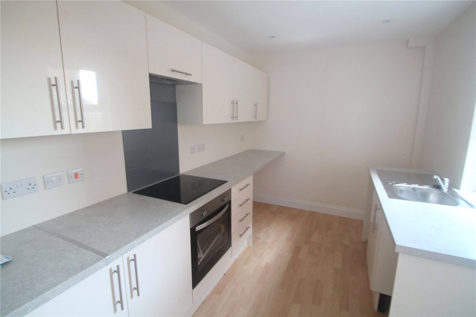 2 Bedrooms Terraced House for sale in Dernier Road Tonbridge TN10
