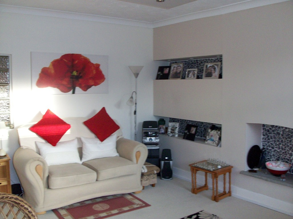 2 Bedrooms Flat for sale in Highcliffe BH23