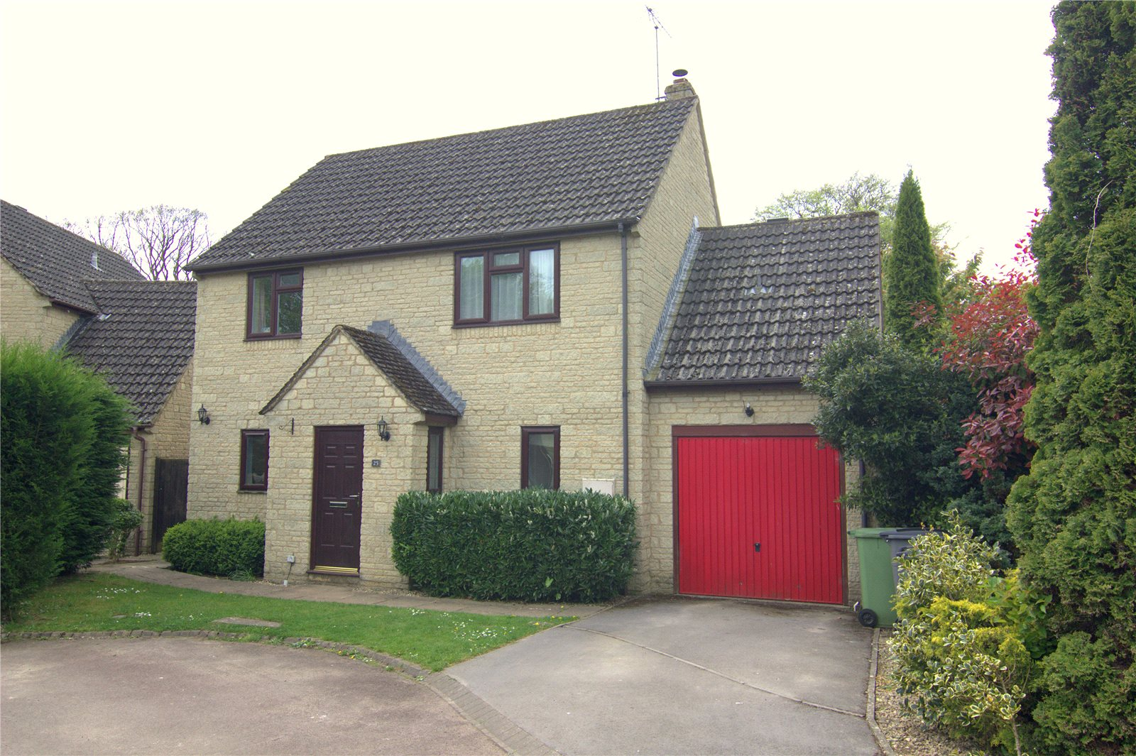4 Bedrooms Detached House for sale in May Tree Close Coates Cirencester GL7