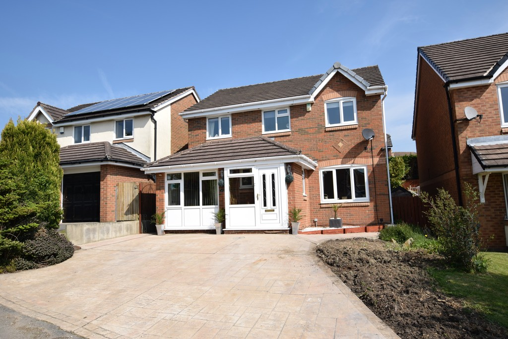 4 Bedrooms Detached House for sale in Grantley Place , Bradley HD2