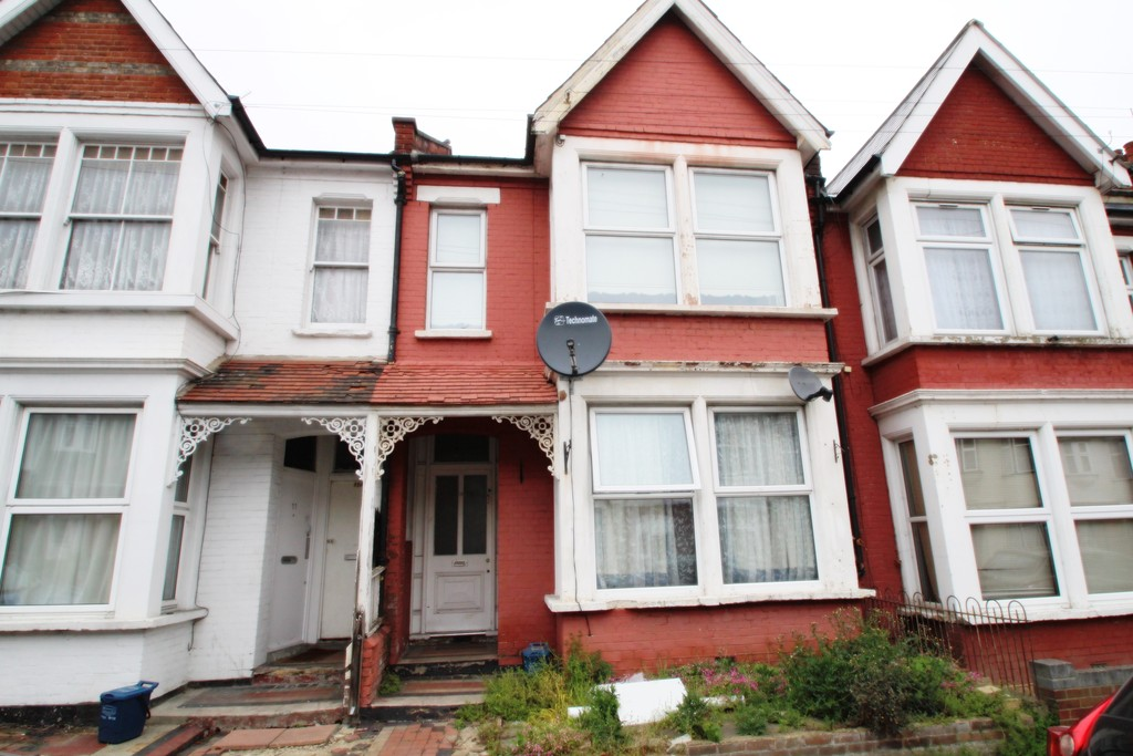2 Bedrooms Property for sale in Quebec Avenue, Southend on Sea SS1