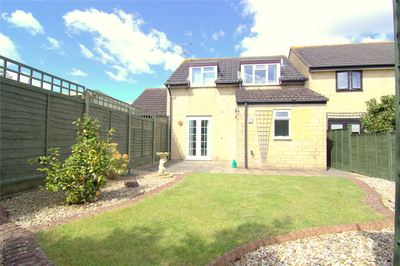 3 Bedrooms Detached House for sale in Pheasant Way Cirencester GL7