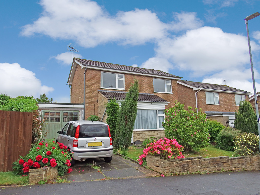 3 Bedrooms Detached House for sale in Pryor Road, Sileby, Loughborough LE12