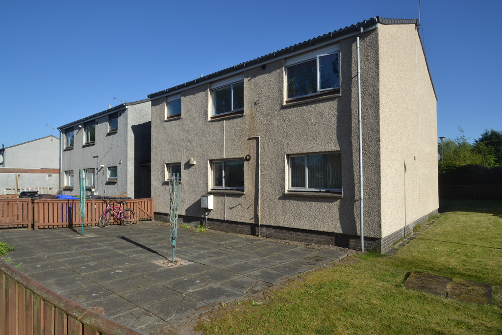 3 Bedrooms Flat for sale in Castlevale , Cornton FK9