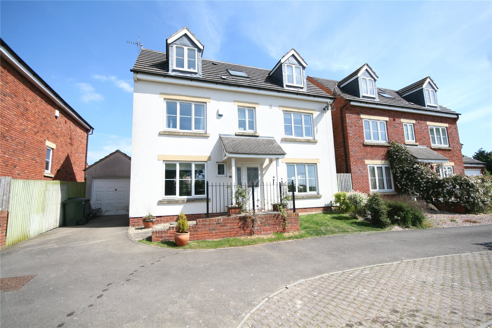 5 Bedrooms Detached House for sale in Newland View Cheltenham GL51