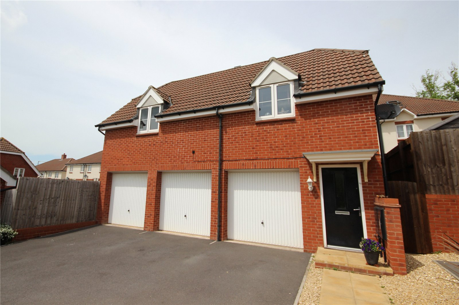 2 Bedrooms Detached House for sale in Valerian Close Shirehampton Bristol BS11