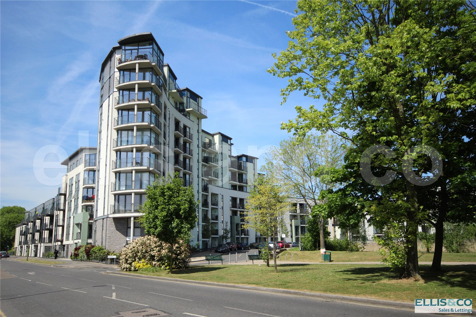 2 Bedrooms Flat for sale in Bluebell Court 1 Heybourne Crescent Colindale NW9