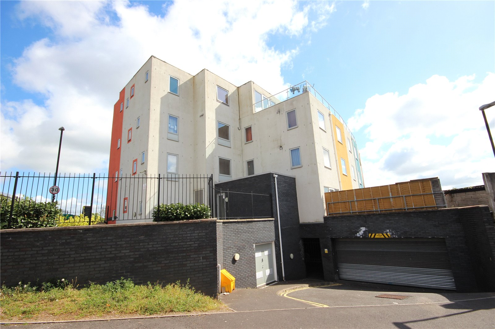 2 Bedrooms Flat for sale in Tempera 152 Lawrence Hill Bristol BS5
