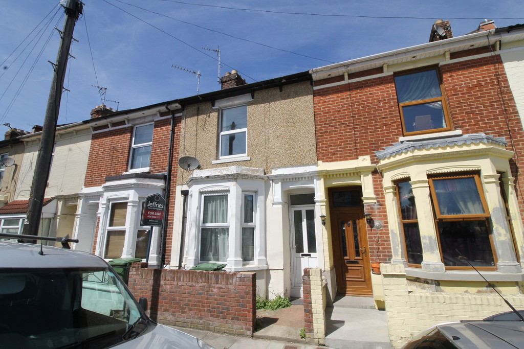 4 Bedrooms Terraced House for sale in Grayshott Road, Southsea PO4