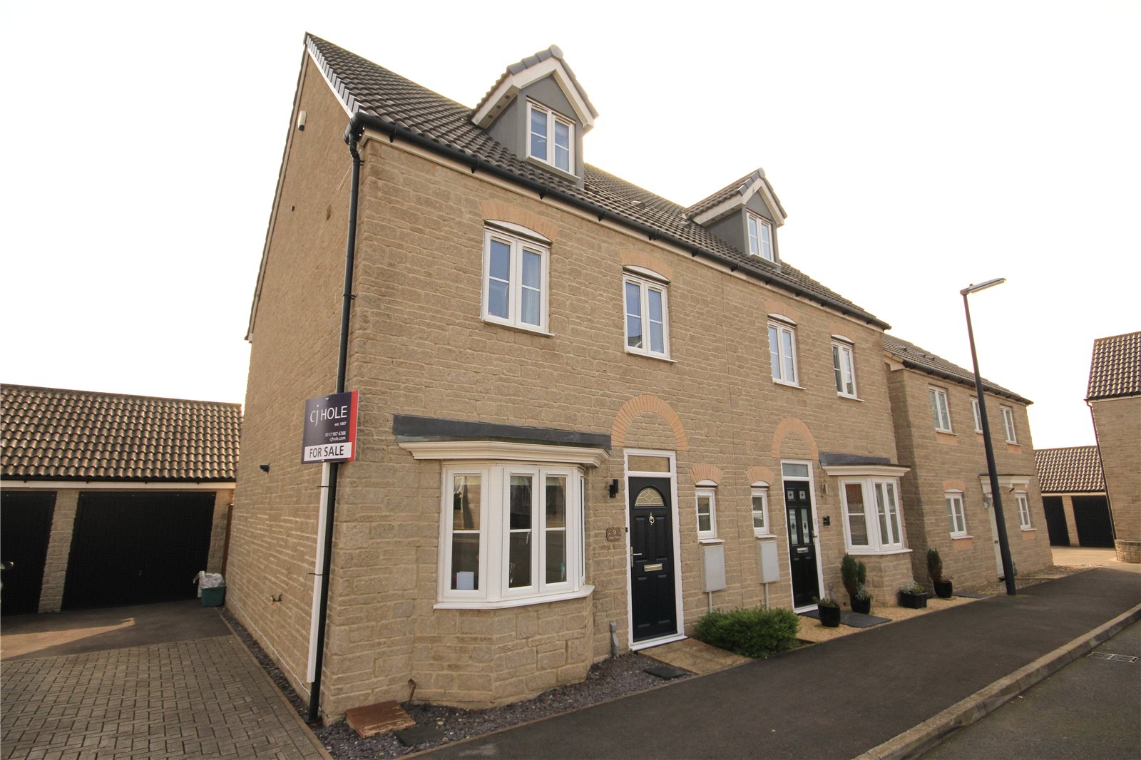 4 Bedrooms Semi Detached House for sale in Jays Close Kingswood Bristol BS15