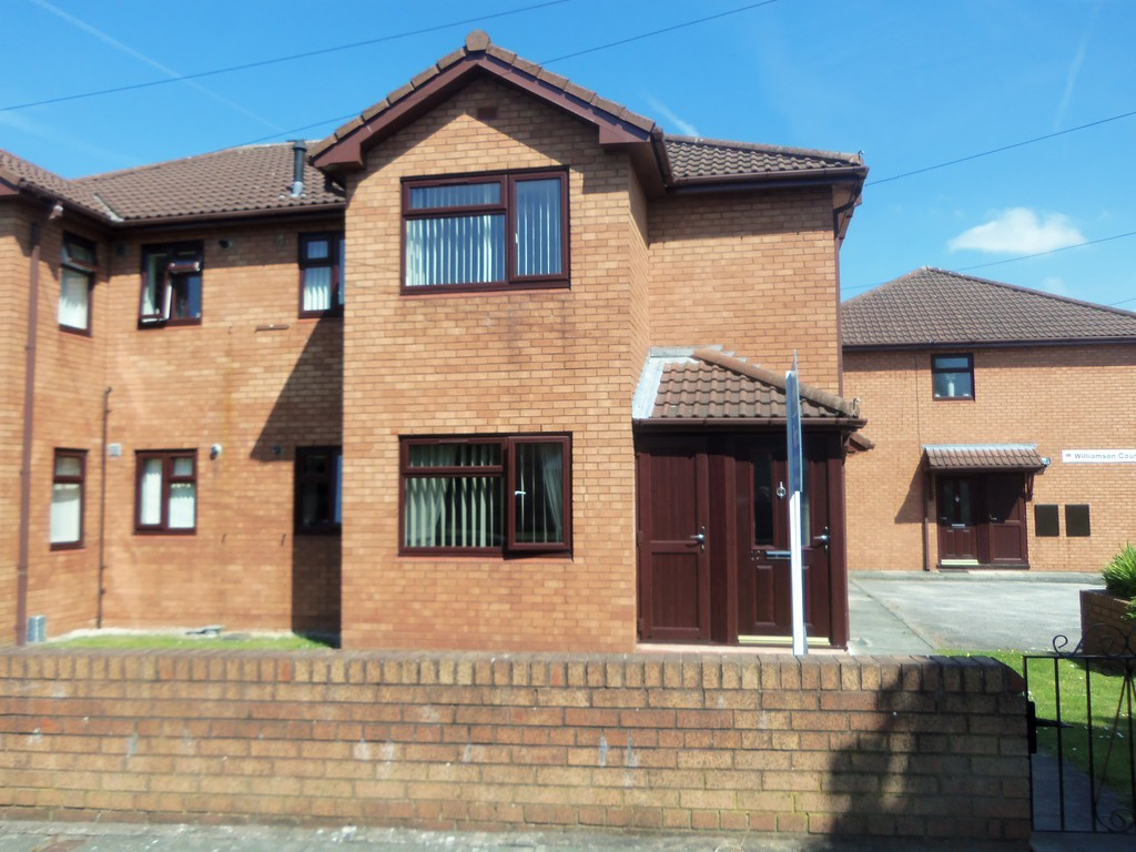 2 Bedrooms Maisonette Flat for sale in Williamson Court, Woolton L25