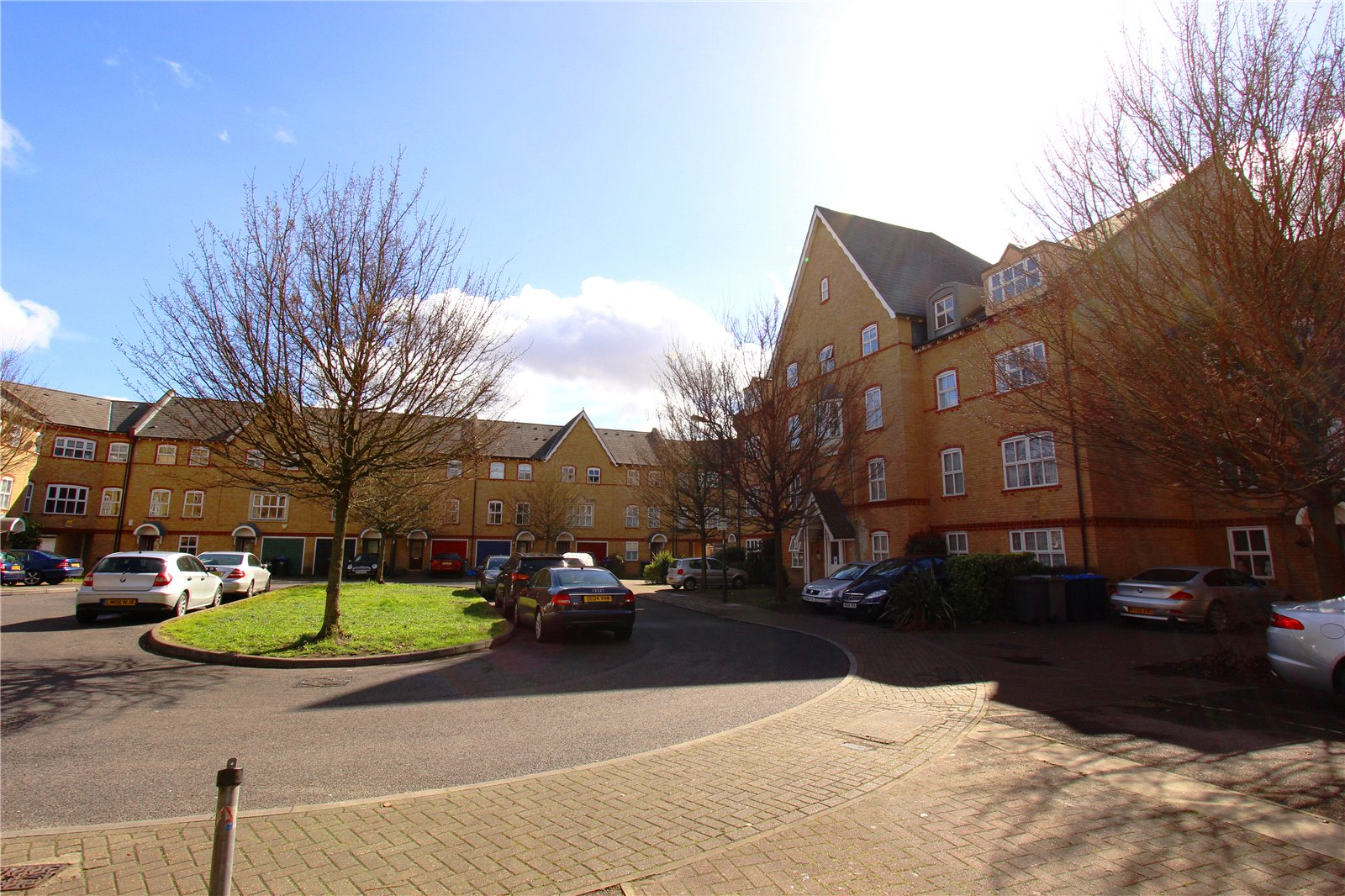 2 Bedrooms Flat for sale in Chamberlayne Avenue Wembley HA9
