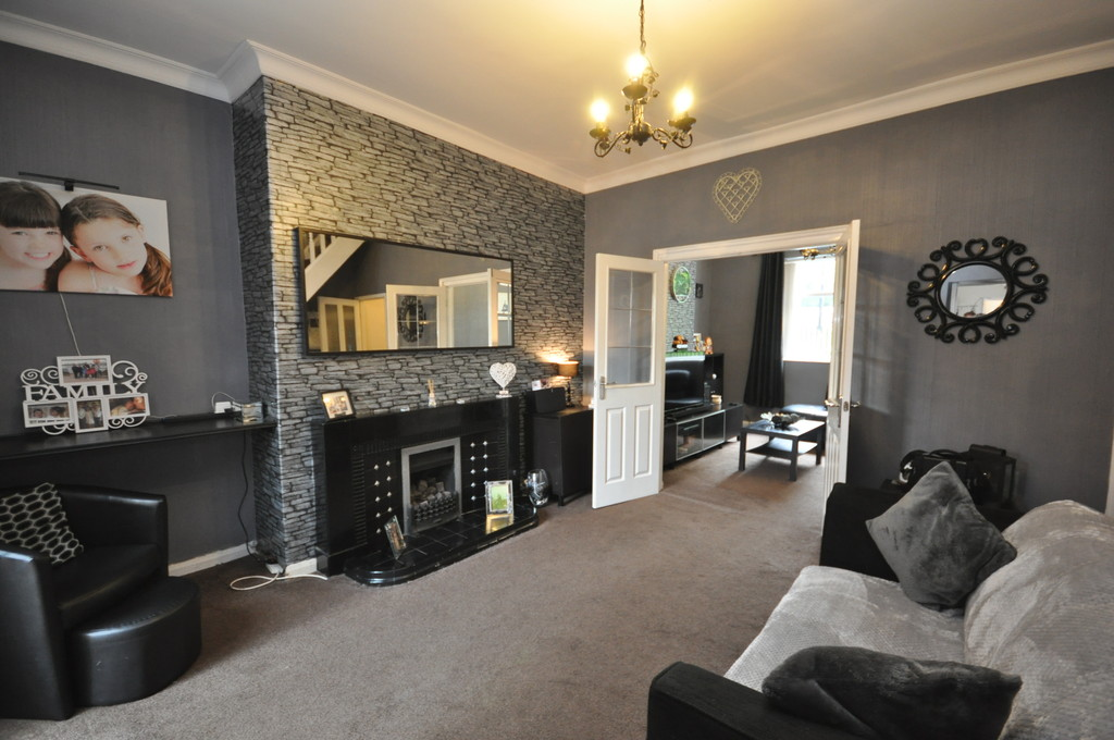 3 Bedrooms Terraced House for sale in Cambria Street, South Hylton, Sunderland SR4