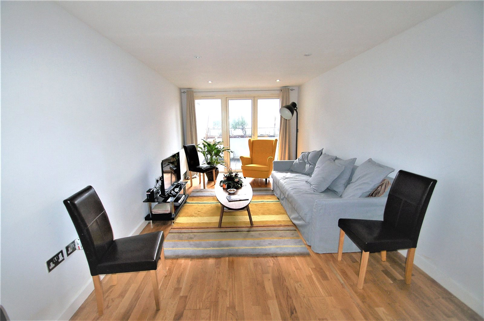 2 Bedrooms Flat for sale in Elm Road Wembley HA9
