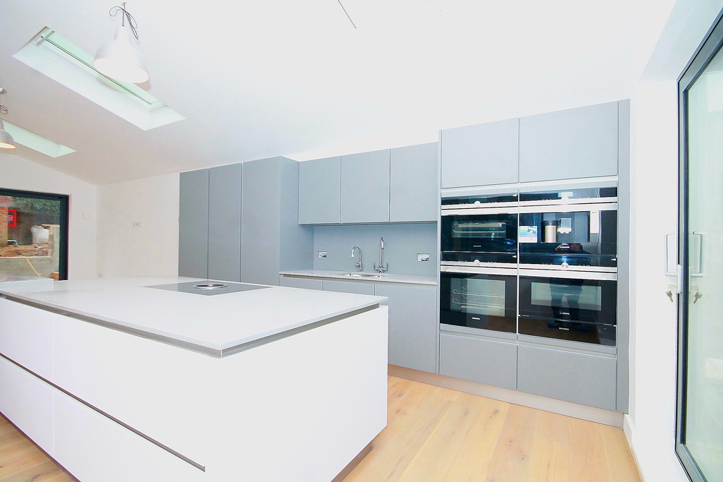 4 Bedrooms Detached House for sale in St James Lane, Muswell Hill, N10 N10