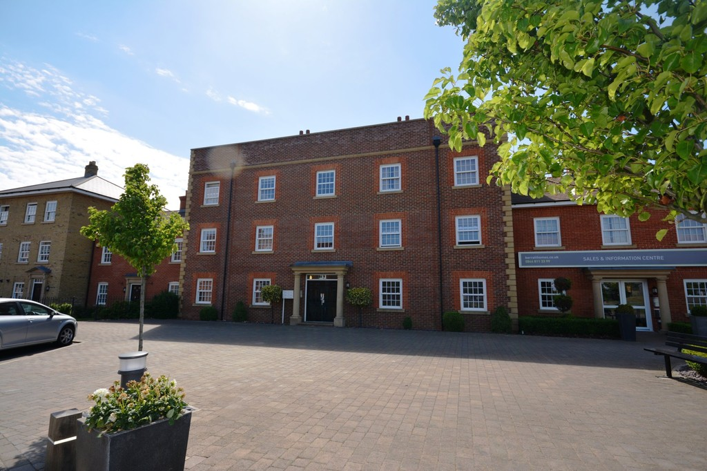 2 Bedrooms Apartment Flat for sale in Greenkeepers Road, Bedford MK40