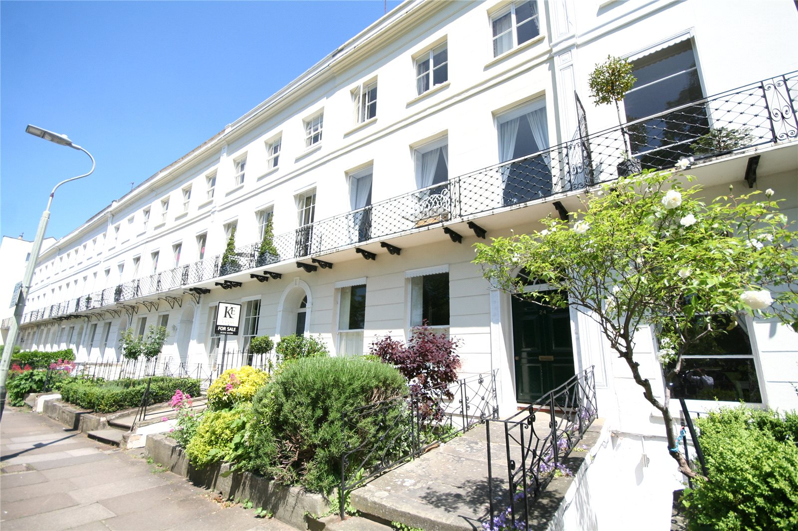 2 Bedrooms Flat for sale in Montpellier Spa Road Cheltenham GL50