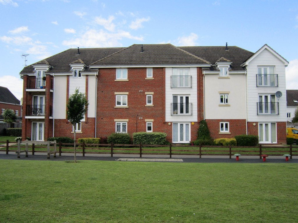 1 Bedroom Apartment Flat for sale in Ingram Close, Larkfield ME20