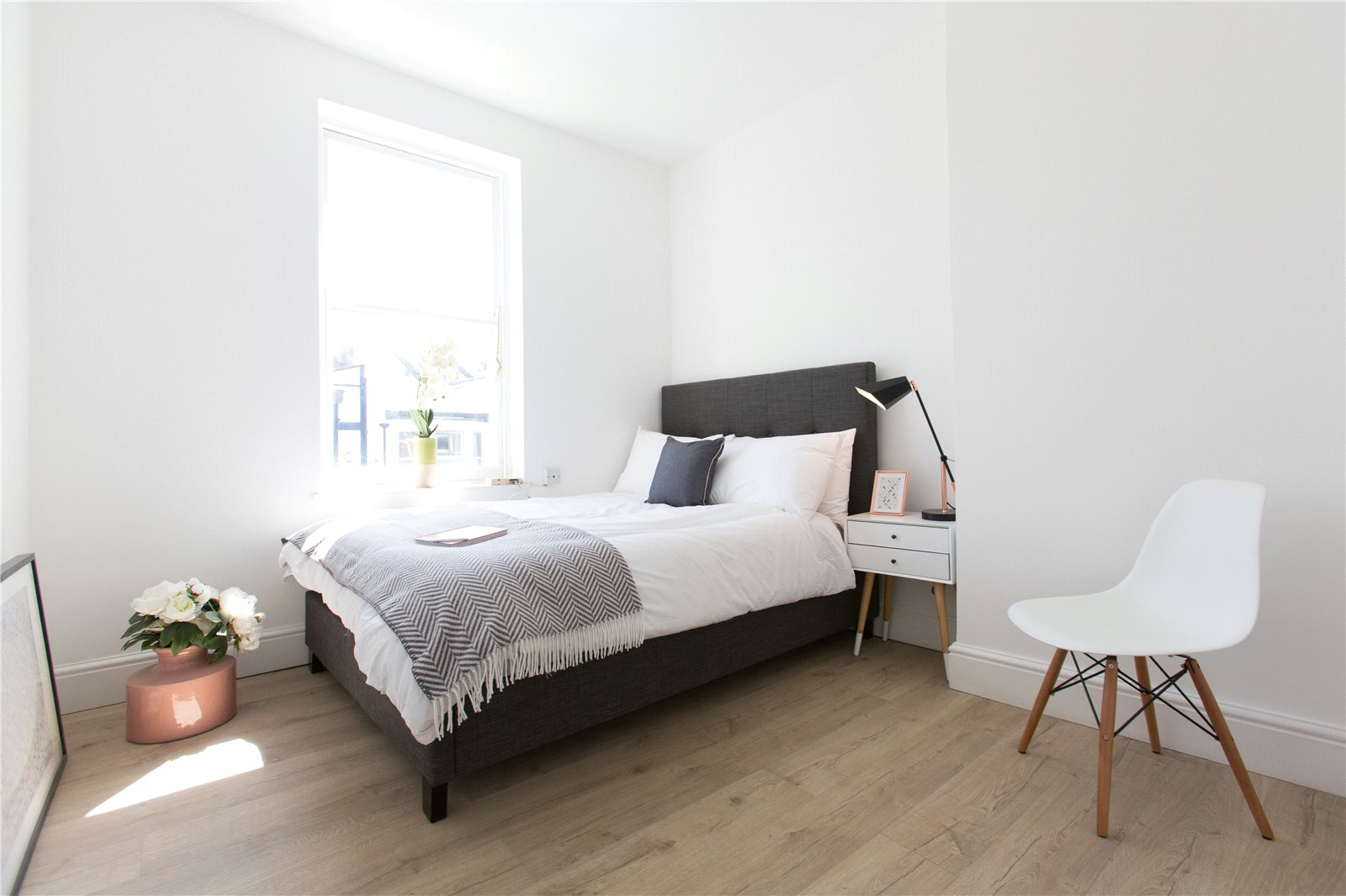 2 Bedrooms Flat for sale in North Street Southville Bristol BS3