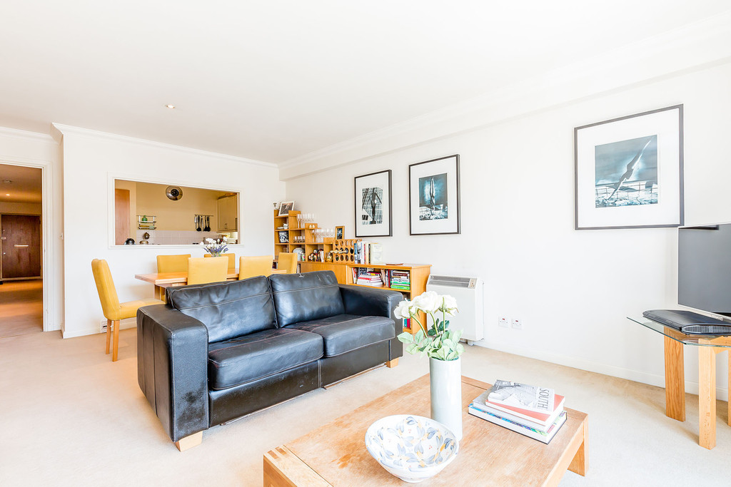 1 Bedroom Apartment Flat for sale in Gilbey House, Camden NW1